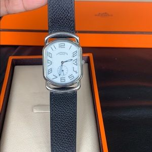 MINT CONDITION Hermès leather watch